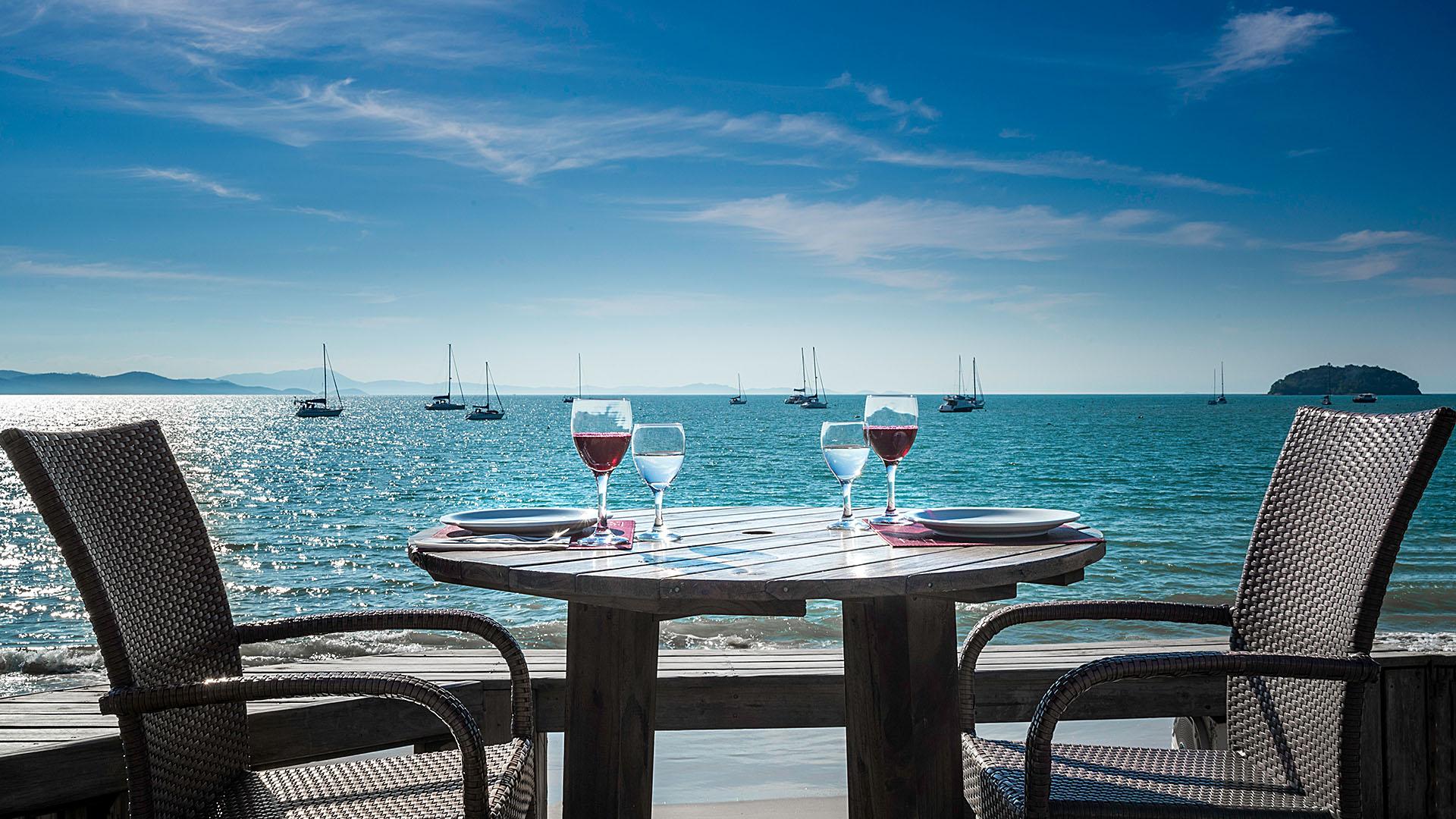 alameda_dos_sabores_restaurante_a_beira_mar_de_jurere_florianopolis_refeicao_frente_mar_destaque